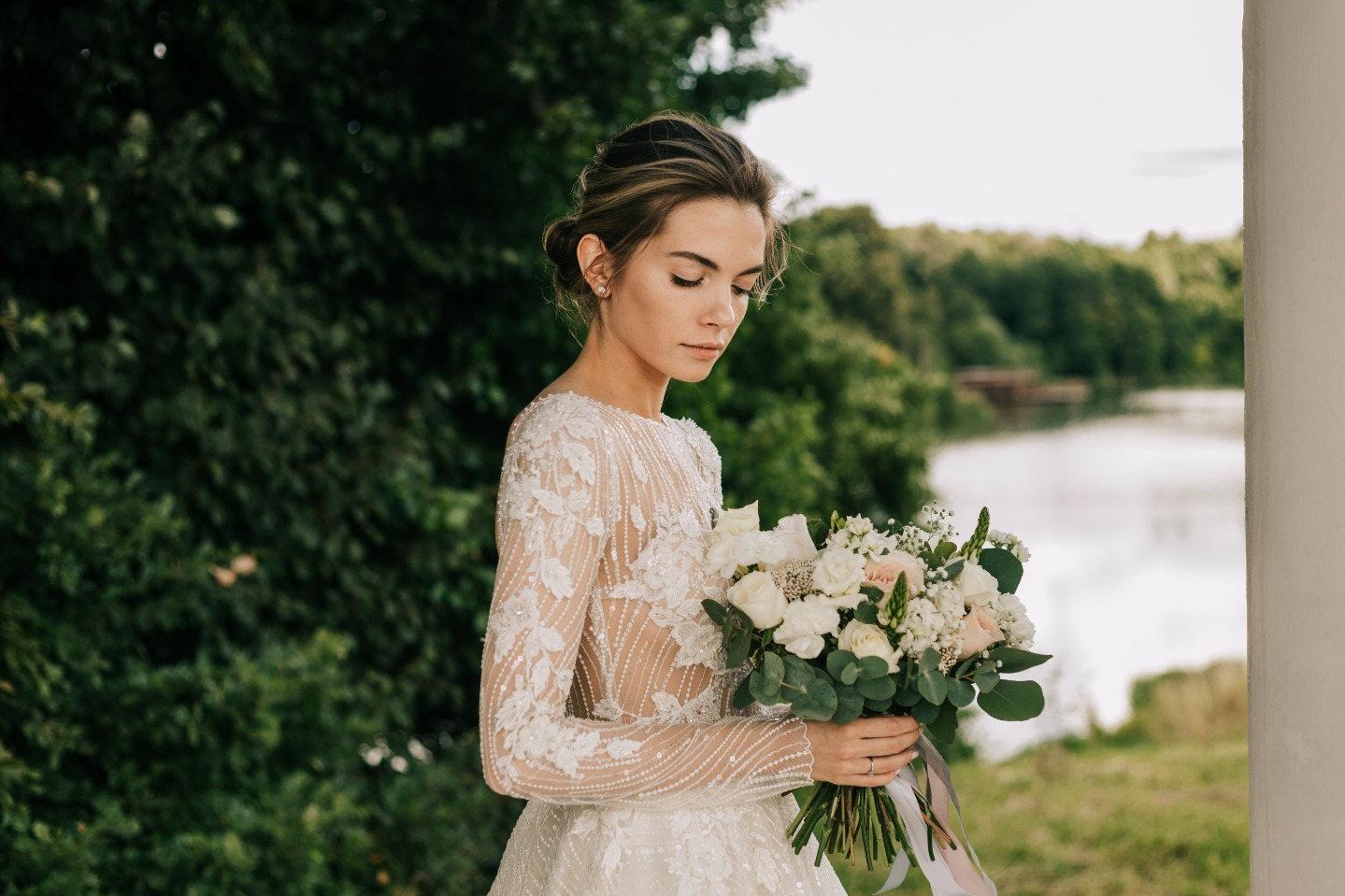 Волшебные мгновения любви: классическая загородная свадьба