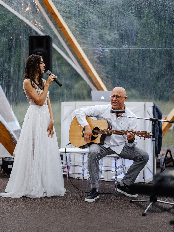 Love. Dance. Baikal: свадебная вечеринка в лесу