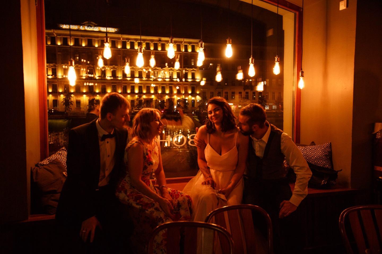 Камерная свадьба в баре