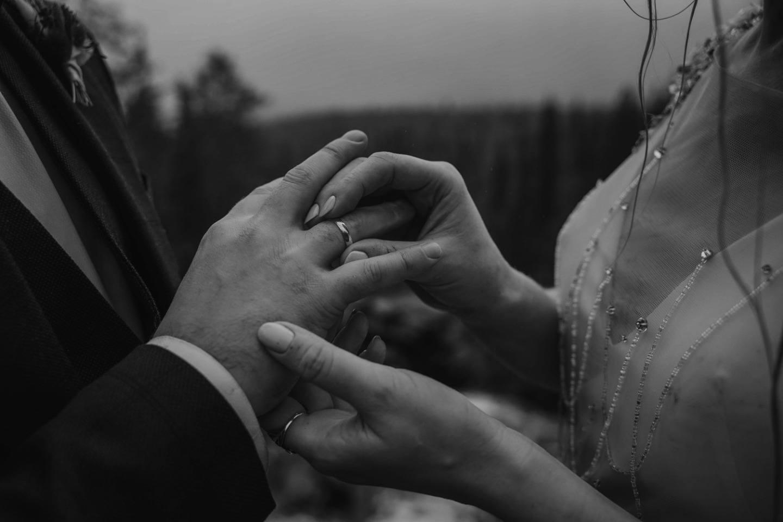 Там, где облака касаются земли: свадьба в Хибинах