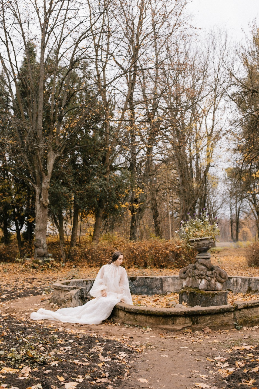 «Багровый Пик»: мистическая осенняя фотосессия