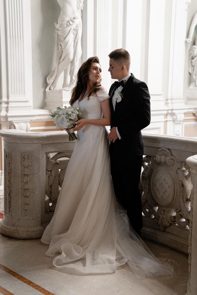 Питерский уют: классическая свадьба в ресторане