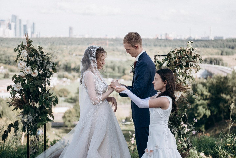 Элегантная свадьба в темно-синей гамме
