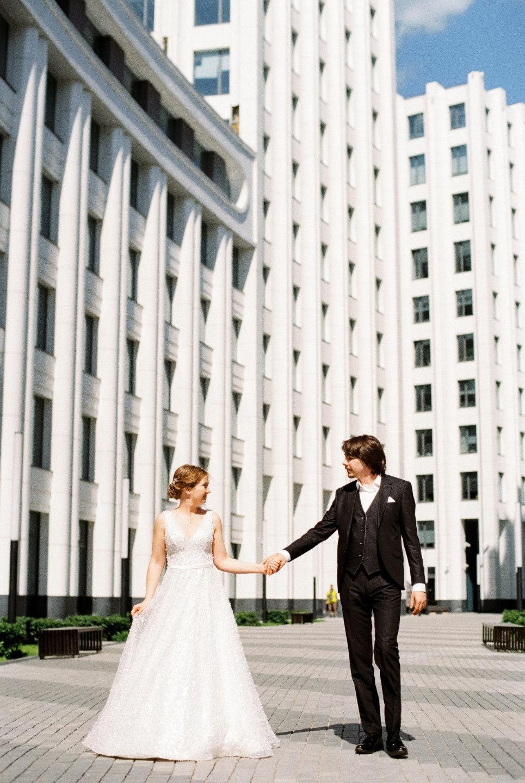 «Там в траву упали звёзды»: уютная свадьба в мерцающей палитре