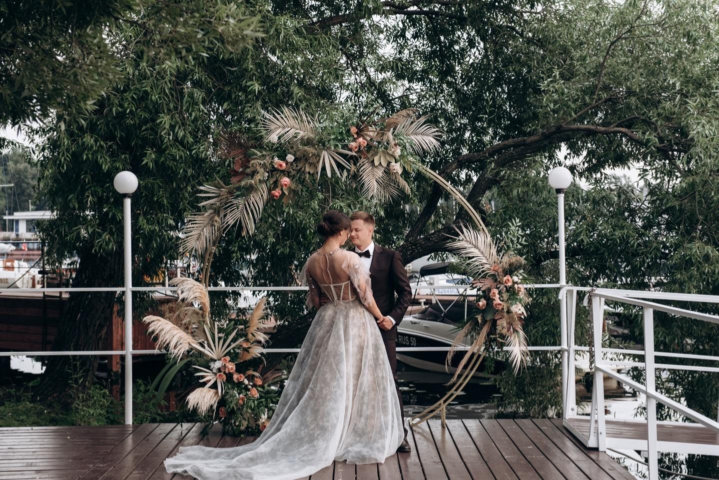 Свадьба в яхт клубе москва цена вакансия на работу в клубах москвы