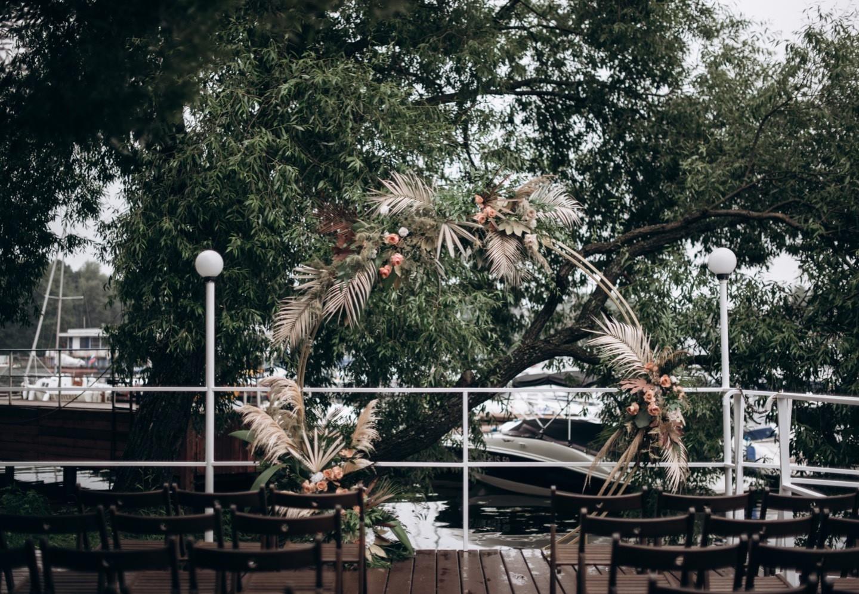 Атмосферная свадьба в яхт-клубе
