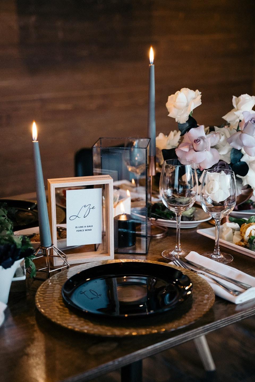 Любовь в горах: семейная свадьба в черно-белой палитре