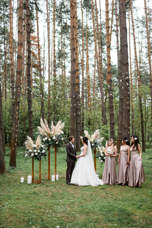 Воздушная свадьба в лесных оттенках