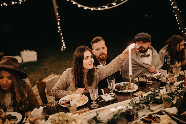 Вечеринка под открытым небом: яркая свадьба в стиле бохо