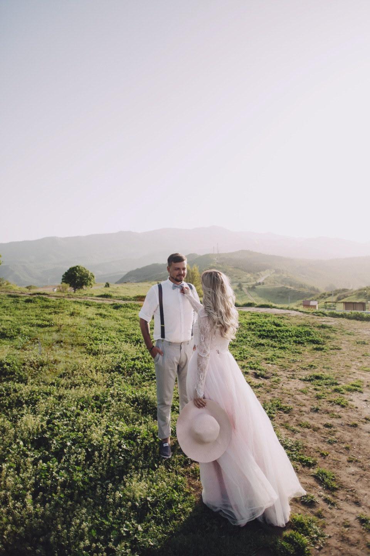 Горы, Грузия, любовь: романтичная свадьба для двоих