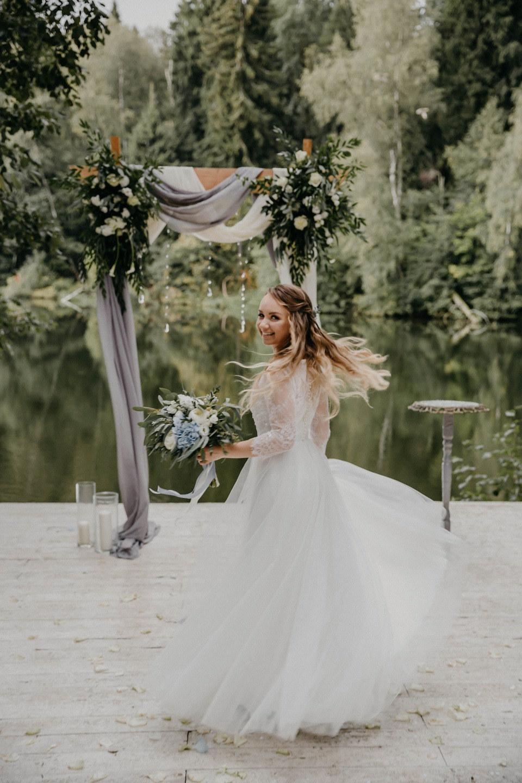 Прикосновение нежности: классическая свадьба в светлых оттенках