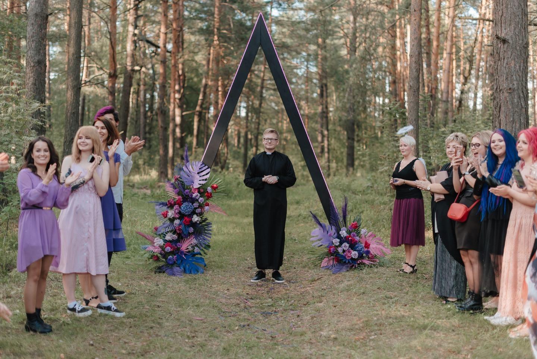 Лесная свадьба с ярким акцентом