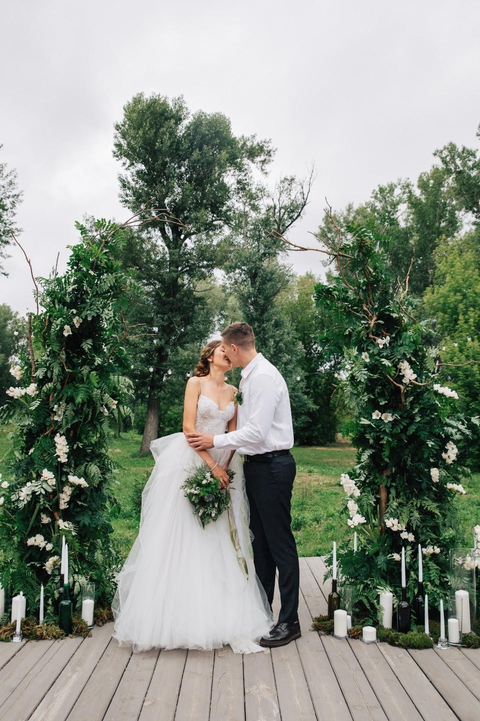 Сказка северного леса: белоснежная свадьба в стиле эко