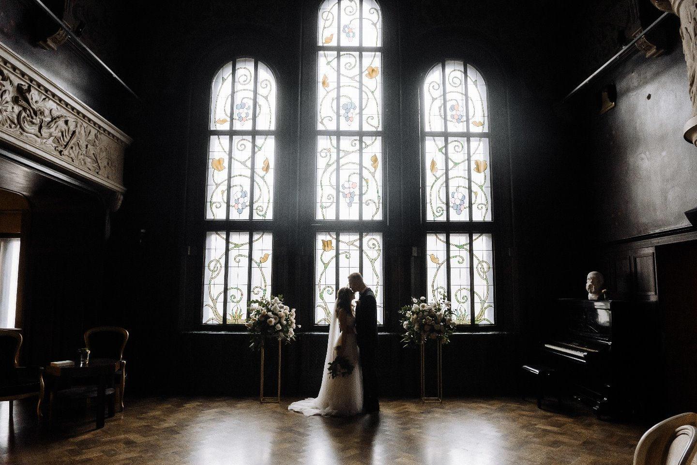 Вдохновение классикой: благородная свадьба в особняке