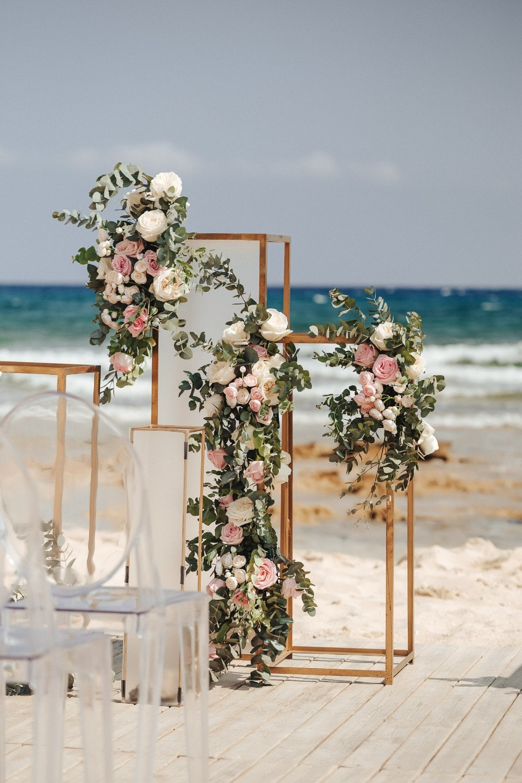 Minimalism: камерная и романтическая свадьба на Кипре