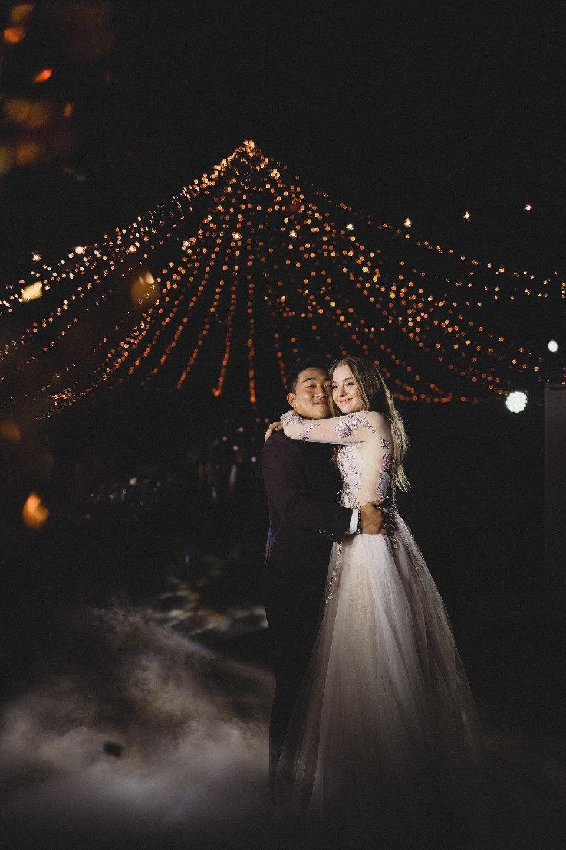 Соединение стихий: романтичная свадьба с видом на море и горы