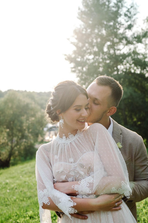 Приключение под названием «любовь»: рустик-свадьба в отеле