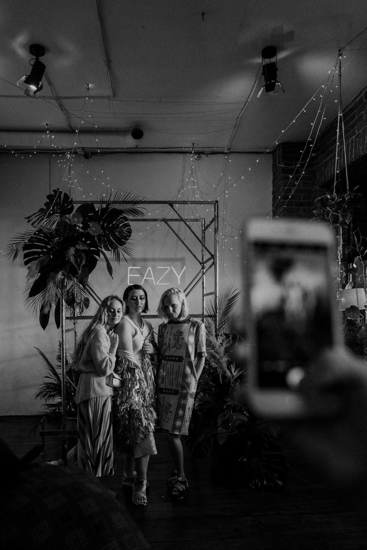 Протест традициям: современная и яркая свадьба в лофте