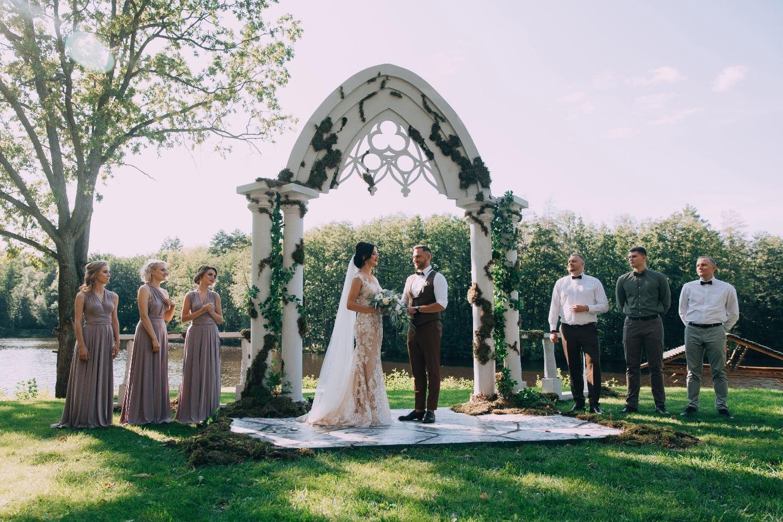 Банкет под открытым небом: живописная эко-свадьба