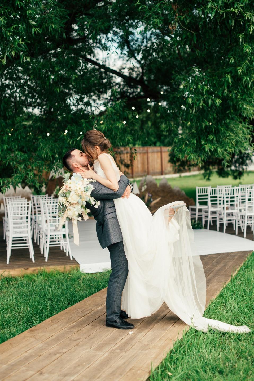 Любовь – это история: рустик-свадьба в светлых оттенках