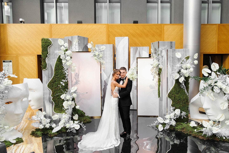 Black tie: стильная свадьба в дизайнерском отеле