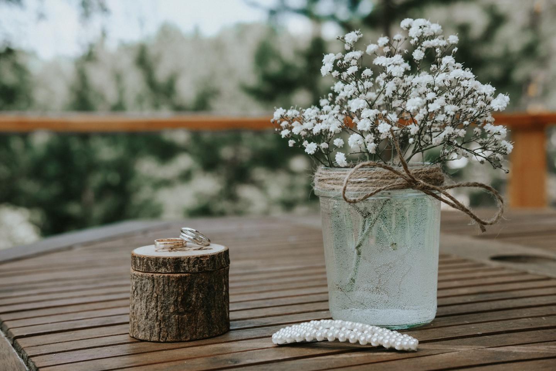 Рустик-свадьба в отеле на берегу реки