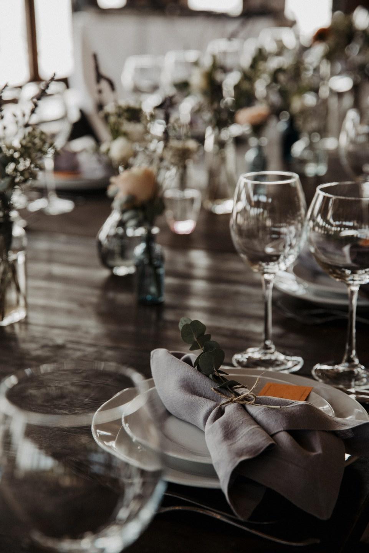 «Minimalism»: уютная осенняя свадьба в усадьбе