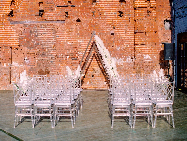 Европейская сдержанность: бохо-свадьба в лофте