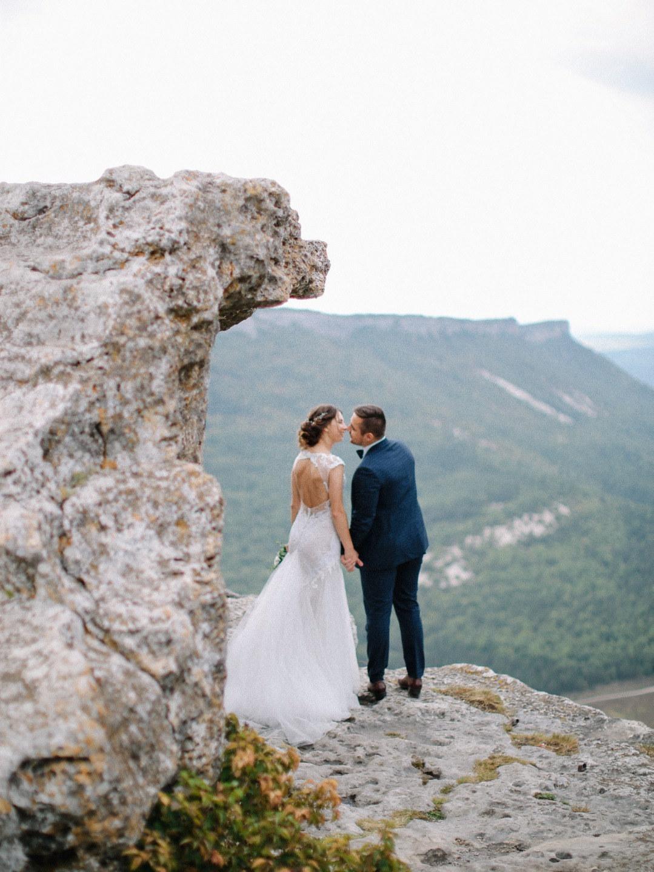 «Мурашки, слезы и улыбки»: уютная свадьба в Крыму