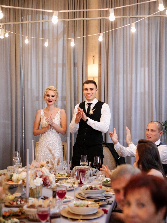 Уютная осенняя свадьба в ресторане