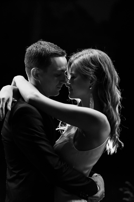 «Сон в летнюю ночь»: воздушная свадьба в ресторане