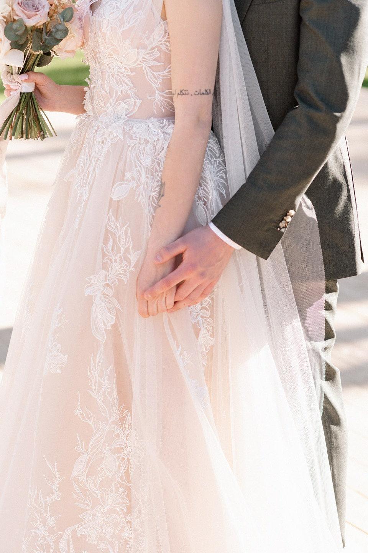 Гармония цветов и нежности: свадьба на загородной площадке