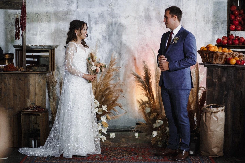 Восточный бохо: свадьба в лофте