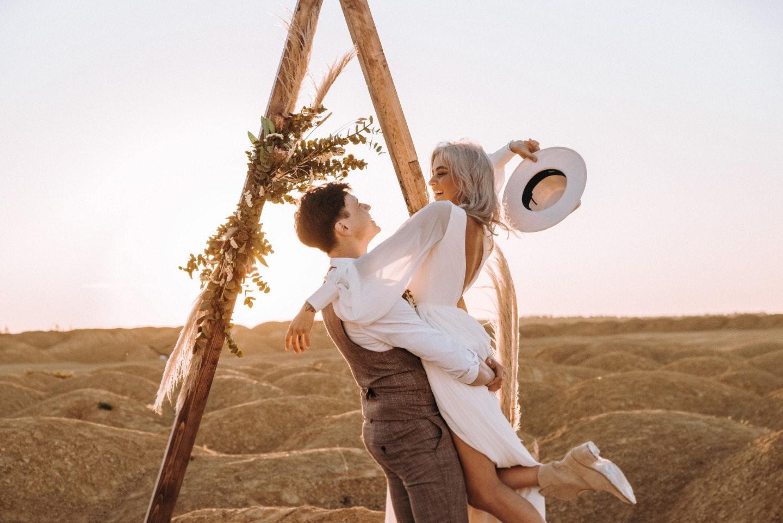 Любовь в пустыне: стилизованная бохо-фотосъемка