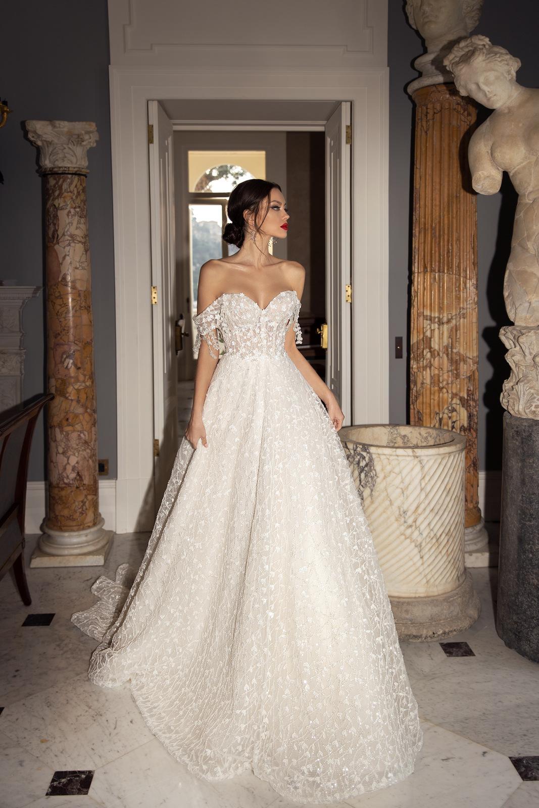 «Sorrento Italy 2021»: вдохновляющие платья от бренда Luce Sposa
