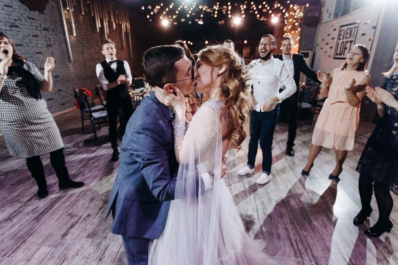 «Звезды сошлись»: свадьба в лофте в Санкт-Петербурге