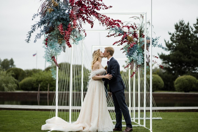 «Crazy in love»: яркая неоновая свадьба