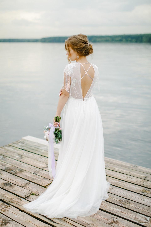Romantic purple: свадьба в загородном доме