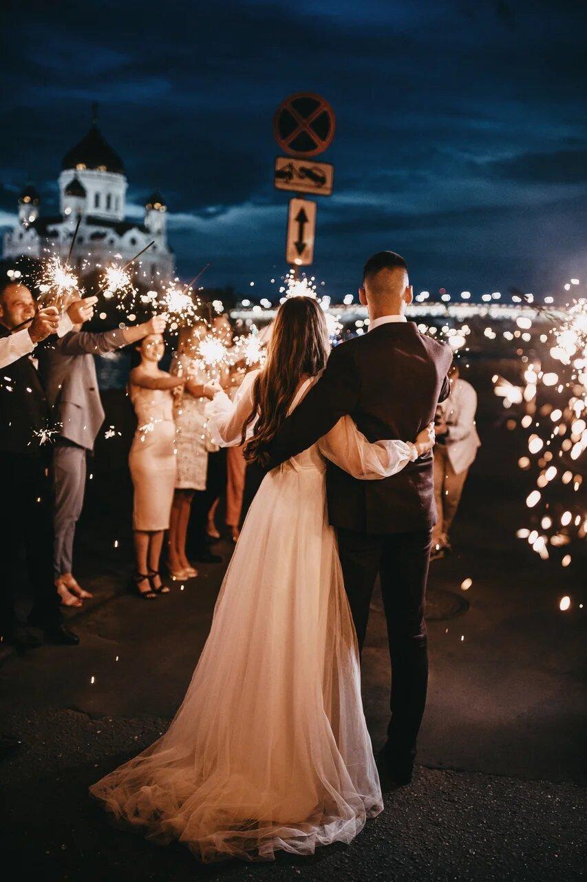 В самом сердце Москвы: камерная свадьба в лофте