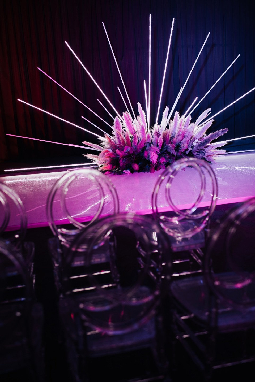 Рассвет нашей любви: яркая свадьба в отеле Mercury