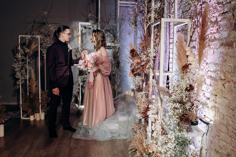 Первый день любви: зимняя свадьба в студии танца