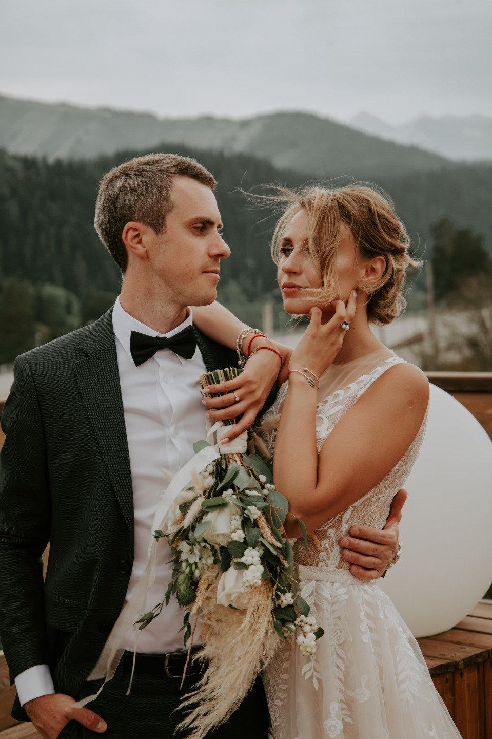 Мечта в горах: рустик-свадьба в Архызе