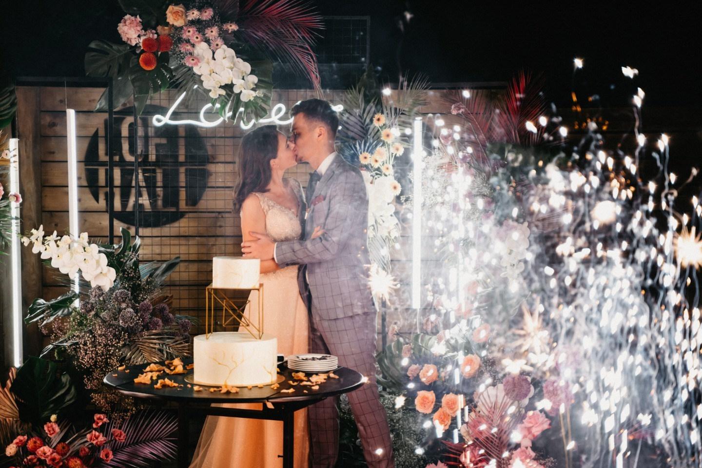 Modern: современная свадьба в Loft Hall