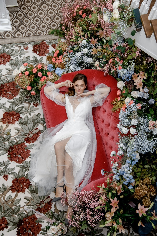 Спящая красавица: стилизованная яркая фотосессия