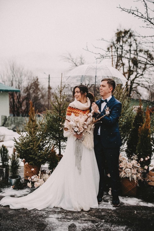 Любовь в снежных горах: уютная свадьба в Сочи