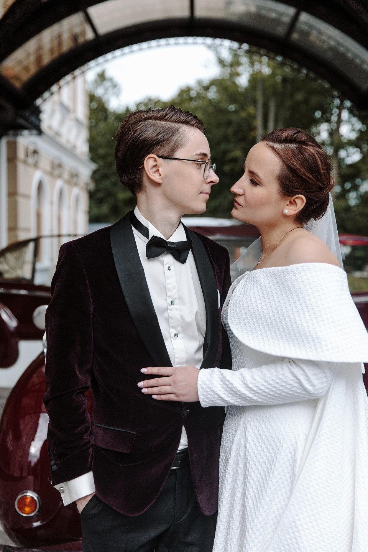Transgress: тематическая яркая свадьба в ресторане