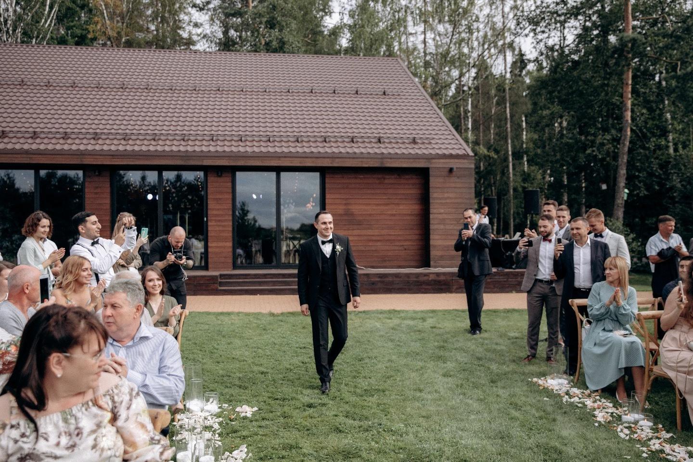Эко-свадьба у воды на загородной площадке