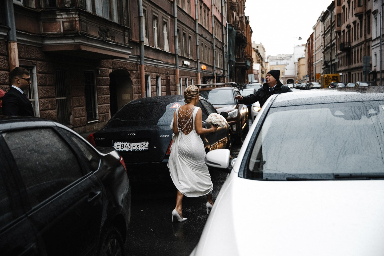 Любовь в зимнем Санкт-Петербурге: элегантная свадьба