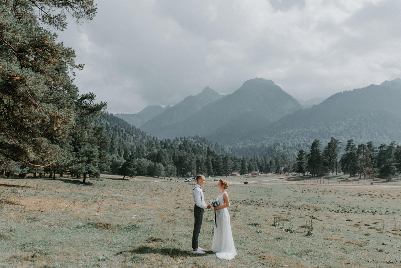 Atmosphere of mountains: вегетарианская свадьба