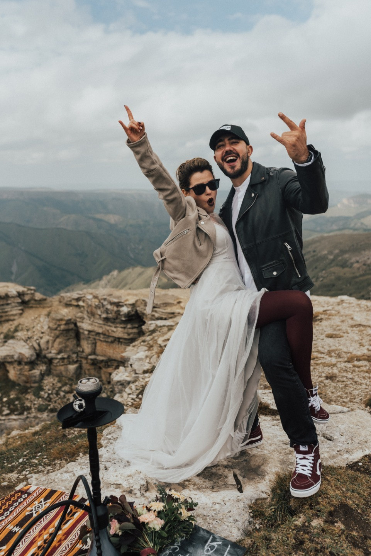 Nobody lies today: стилизованная фотосессия-свадьба в горах